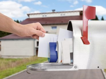 15 Secrets Your Mailman Knows About You